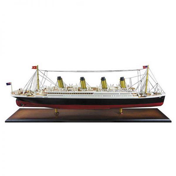 exclusief geschenk titanic model