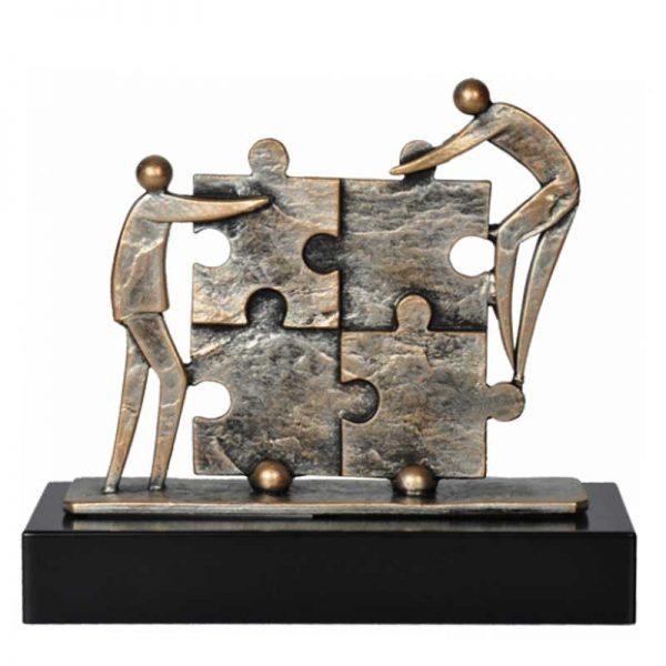 bronzen sculptuur samenwerking jubileum relatiegeschenk